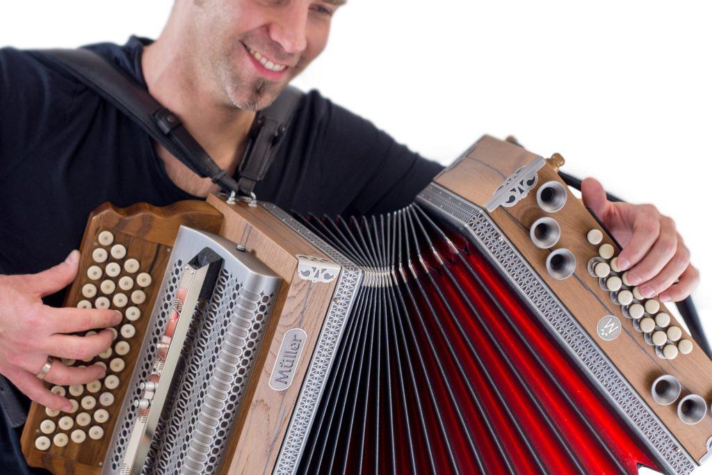 instrument-3247259_1920